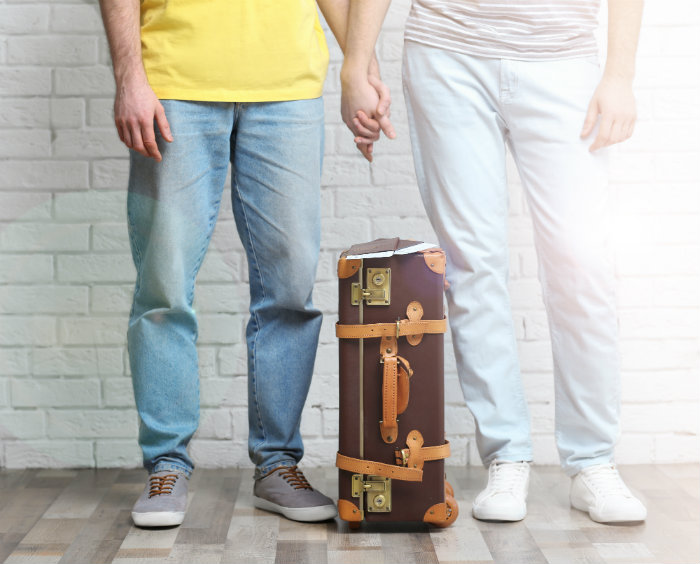 Couplewithsuitcase