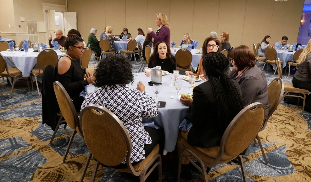 Agents Networking Lunch Table Foundation For Success