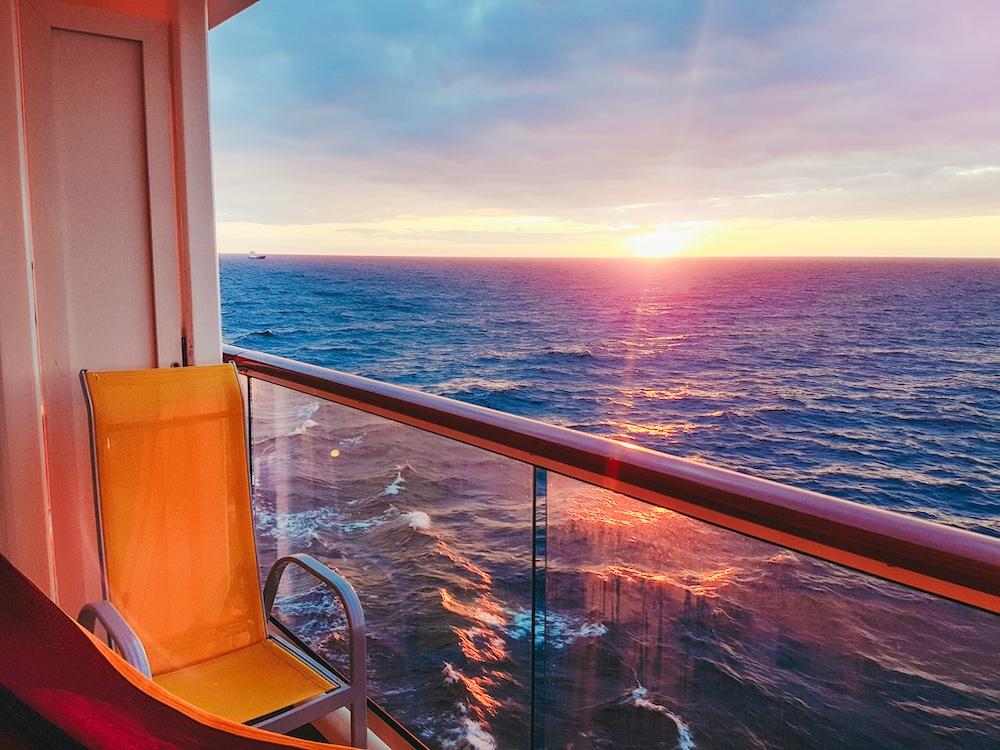 Cruise_Ship_Balcony_Sunset