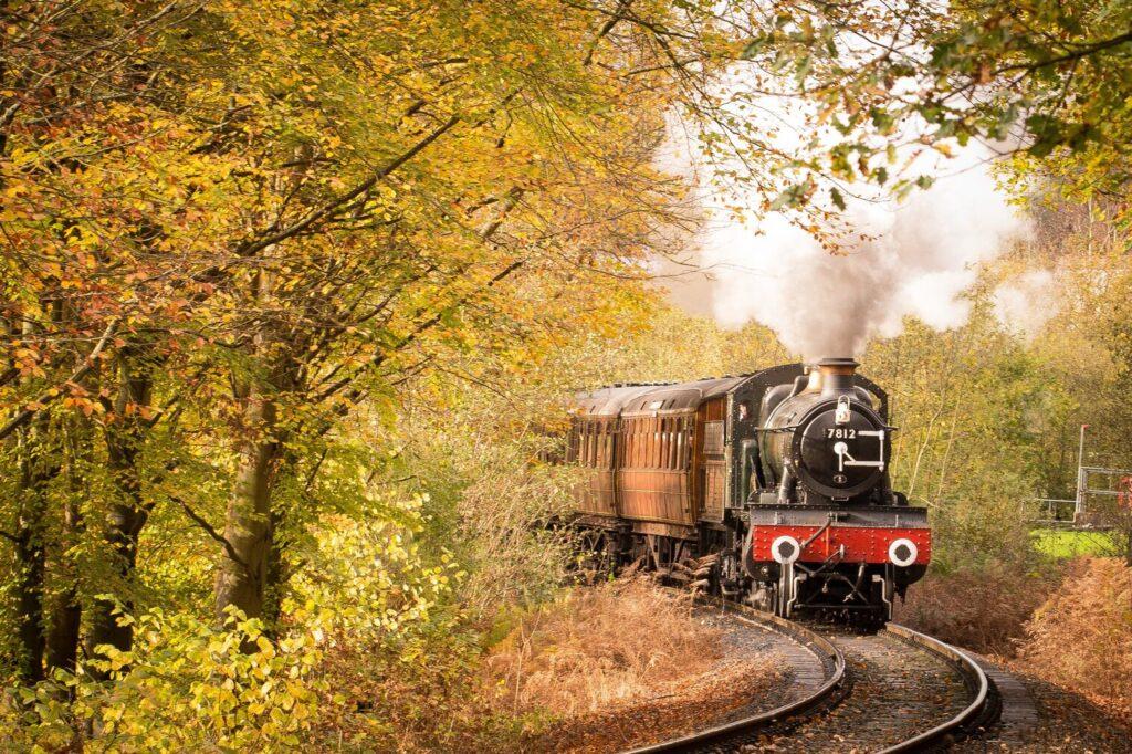 2021_train_travel_us