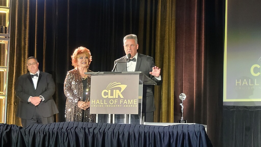 Anita and Bill accepting the Agency Innovator Award